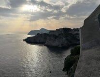 Zonsondergang in adriatic van dubrovnikfort stock foto