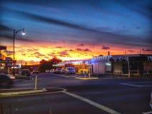 Zonsondergang in Auckland in de voorsteden, NZ Stock Foto