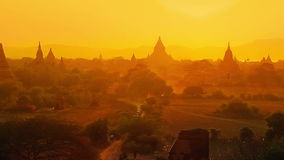 Zonsondergang in Bagan stock videobeelden