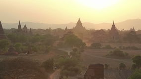 Zonsondergang in Bagan stock video
