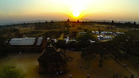 Zonsondergang in Bagan, Birma stock footage