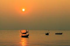 Zonsondergang in BangSan, Thailand stock afbeeldingen