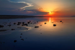 Zonsondergang bij Adriatische overzees Stock Foto's