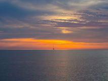 Zonsondergang bij Adriatische overzees Royalty-vrije Stock Afbeeldingen
