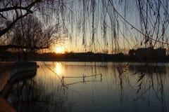 Zonsondergang bij Beihai-Park, Peking Stock Afbeelding