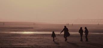 Zonsondergang bij de Belgische kust Stock Foto's