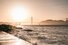 Zonsondergang bij de brug Stock Afbeelding