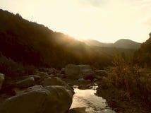 Zonsondergang bij de kust van royalty-vrije stock foto's