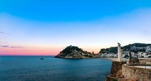 Zonsondergang bij de kust van Tossa de Mar, Costa Brava, Spanje Stock Afbeelding