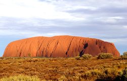 Zonsondergang bij de Rots van Uluru Ayers in Australië royalty-vrije stock fotografie