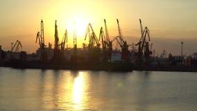 Zonsondergang bij de zeehaven Royalty-vrije Stock Afbeelding