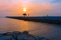 Zonsondergang bij een strand in Pattaya, Thailand Stock Foto