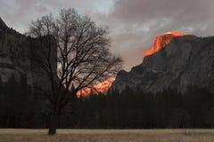 Zonsondergang bij halve koepel Royalty-vrije Stock Afbeelding