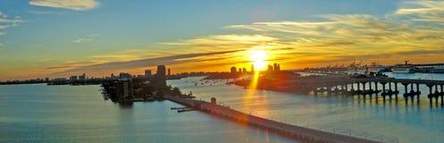 Zonsondergang bij haven van Miami Stock Fotografie