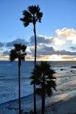 Zonsondergang bij Heisler-Park in Laguna Beach, Californië royalty-vrije stock foto