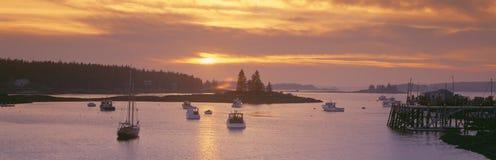 Zonsondergang bij het Dorp van de Zeekreeft, royalty-vrije stock afbeeldingen