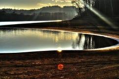 Zonsondergang bij het Meer royalty-vrije stock fotografie