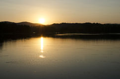 Zonsondergang bij het meer in Spanje Royalty-vrije Stock Foto