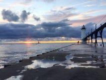Zonsondergang bij het Meer van Michigan stock afbeelding