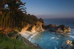 Zonsondergang bij het strand van Californië Stock Fotografie