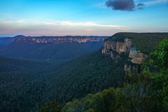 Zonsondergang bij het vooruitzicht van de govettssprong, blauw bergen nationaal park, Australië 4 royalty-vrije stock foto