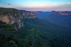 Zonsondergang bij het vooruitzicht van de govettssprong, blauw bergen nationaal park, Australië 5 royalty-vrije stock foto