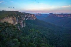Zonsondergang bij het vooruitzicht van de govettssprong, blauw bergen nationaal park, Australië 6 stock afbeelding
