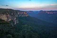 Zonsondergang bij het vooruitzicht van de govettssprong, blauw bergen nationaal park, Australië 12 stock fotografie