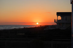 Zonsondergang bij Holden-Strand, Noord-Carolina stock foto's