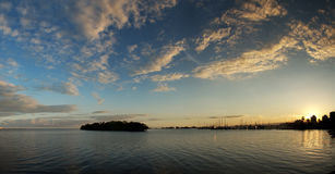 Zonsondergang bij jachthaven Stock Foto