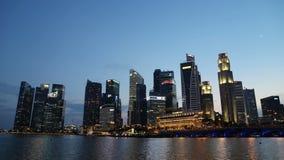 Zonsondergang bij Jachthavenbaai in het centrum van Singapore op OCT 28, 2014 stock videobeelden