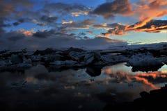 Zonsondergang bij Jokulsarlon-Gletsjerlagune Stock Foto's