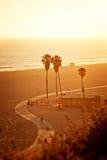 Zonsondergang bij Kerstman Monica Beach stock foto