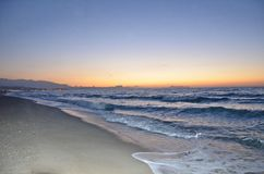 Zonsondergang bij kust 2 Stock Foto