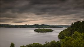 Zonsondergang bij Loch Lomond - Schotland Stock Fotografie