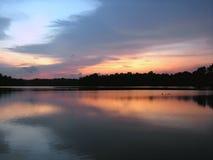 Zonsondergang bij meer Royalty-vrije Stock Foto