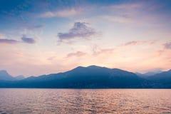 Zonsondergang bij Meer Garda Stock Foto's