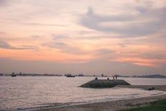 Zonsondergang bij Oostkustpark Singapore stock fotografie