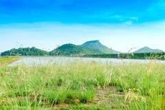 Zonsondergang bij reservoir, klap-Pra, Chonburi stock fotografie