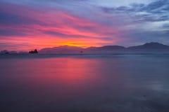 Zonsondergang bij Rood Eilandstrand Royalty-vrije Stock Fotografie