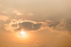 Zonsondergang bij schemering Stock Afbeeldingen