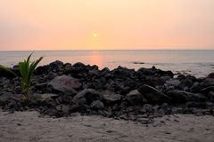 Zonsondergang bij strand Royalty-vrije Stock Fotografie
