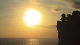 Zonsondergang bij Tempel Uluwatu Stock Foto's