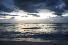 Zonsondergang bij Toevlucht in Playa del Carmen - Mexico Royalty-vrije Stock Fotografie