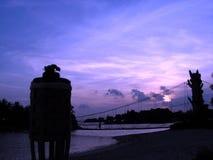 Zonsondergang bij toevluchtbrug Stock Afbeeldingen