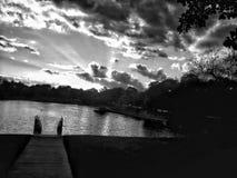 Zonsondergang bij vijver Stock Foto
