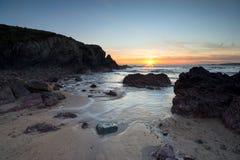 Zonsondergang bij Zoetwater het Westenstrand in Wales royalty-vrije stock afbeeldingen