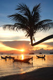 Zonsondergang bij zuiden van Thailand Stock Afbeeldingen