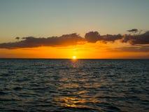 Zonsondergang boven de Atlantische Oceaan Royalty-vrije Stock Fotografie