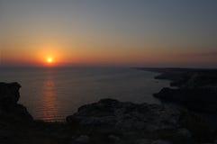 Zonsondergang boven het overzees, berg Royalty-vrije Stock Foto